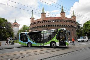 http://bi.gazeta.pl/im/66/47/f2/z15877990M,Inauguracja-elektrycznej-linii-autobusowej-w-Krako.jpg