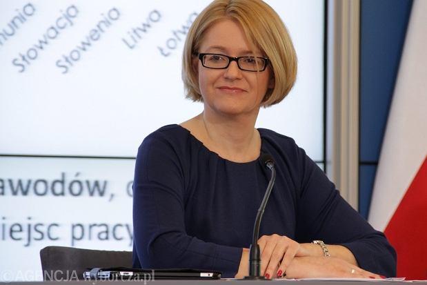 Agnieszka Koz�owska-Rajewicz. Urodzona w 1969 roku. Doktor nauk biologicznych. Pos�anka od 2007 roku. Pe�nomocniczka rz�du do spraw r�wnego traktowania od 2011 roku