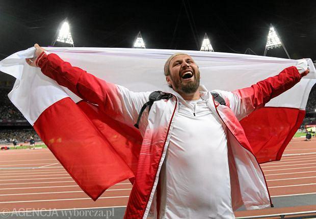 Tomasz Majewski po zdobyciu złotego medalu olimpijskiego w Londynie