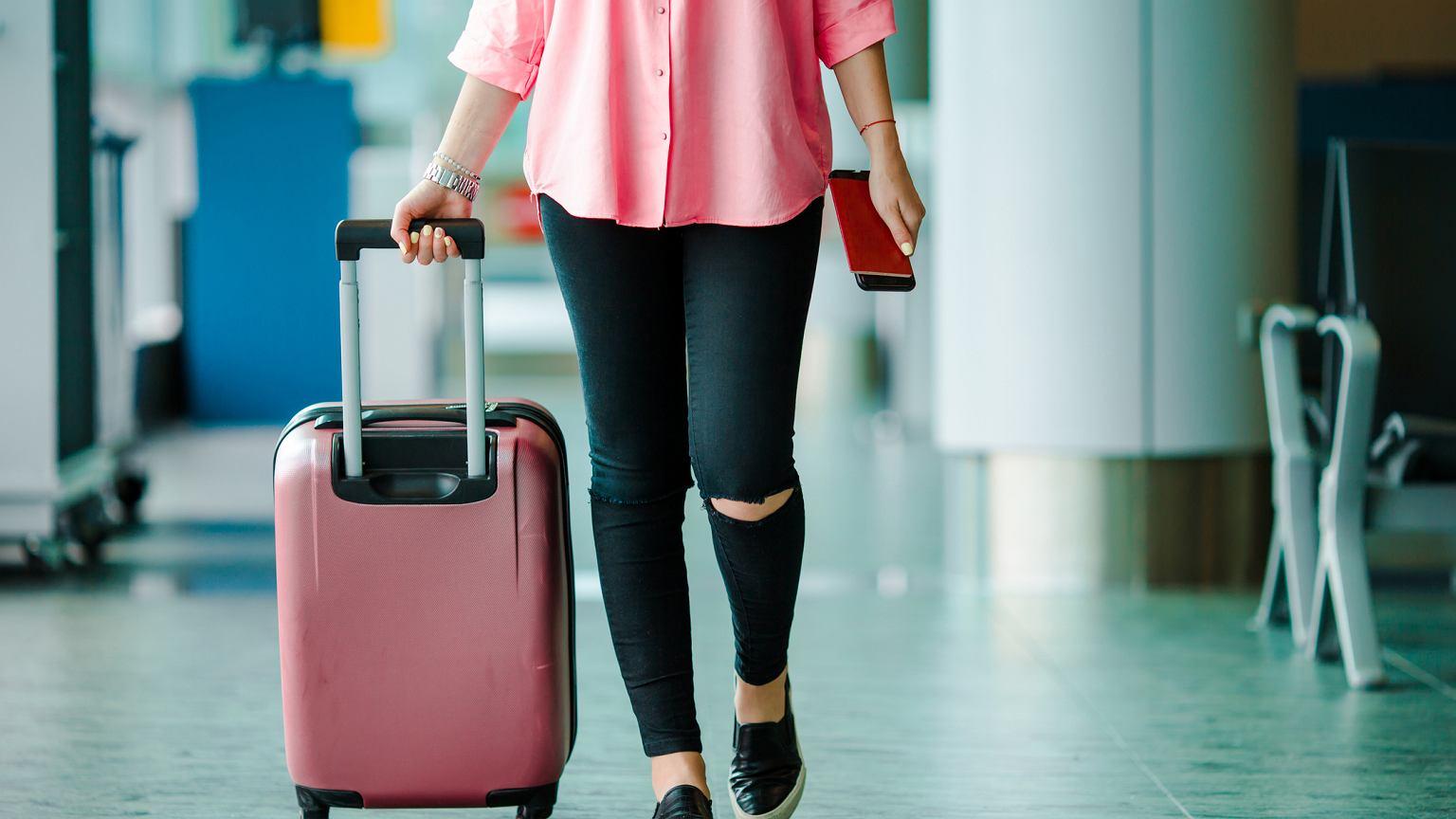 f8ee72549526e W co spakować się na tygodniowy wyjazd? Kabinówki, torby i plecaki, które  świetnie sprawdzą się podczas krótkiej podróży