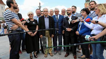 Andrzej Celiński podczas oficjalnego przedstawienia jako kandydat SLD na prezydenta Warszawy