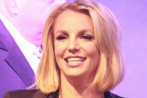 Britney Spears chwali si� figur� w bikini: Trenuj� do olimpiady. Przyznajemy - tak wysportowanego cia�a nie pokazywa�a ju� dawno