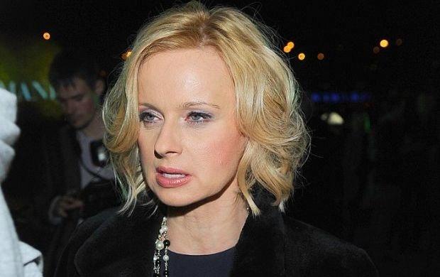 Jolanta Pie�kowska zwykle uwa�a na s�owa, ale pu�ci�y jej nerwy: �wi�ski blondynek. Wygl�da na takiego, co przy�o�y