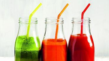 Smak na sok. Jedna szklanka, atyle witamin! Sokowirówka najlepiej poradzi sobie ztwardymi owocami, wwyciskarce przygotujesz także napój zzieleniny - szpinaku czy jarmużu. Smacznego!
