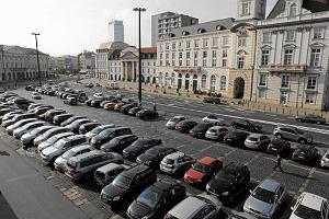 Prokuratura Krajowa przeciw płatnemu parkowaniu w soboty. Analizuje uchwały gmin