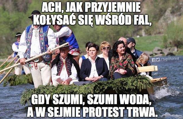 Protesty w Sejmie - memy