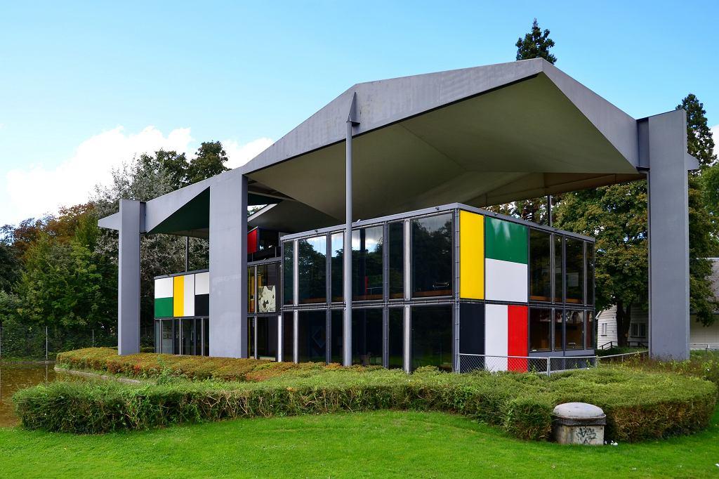 Pawilon Le Corbusiera w Zurychu - pomysłodawczynią założenia muzeum dedykowanego twórczości architekta była Heidi Weber (fot. Roland Fischer, Zürich (Switzerland) / Wikimedia Commons / CC-BY-SA-3.0)