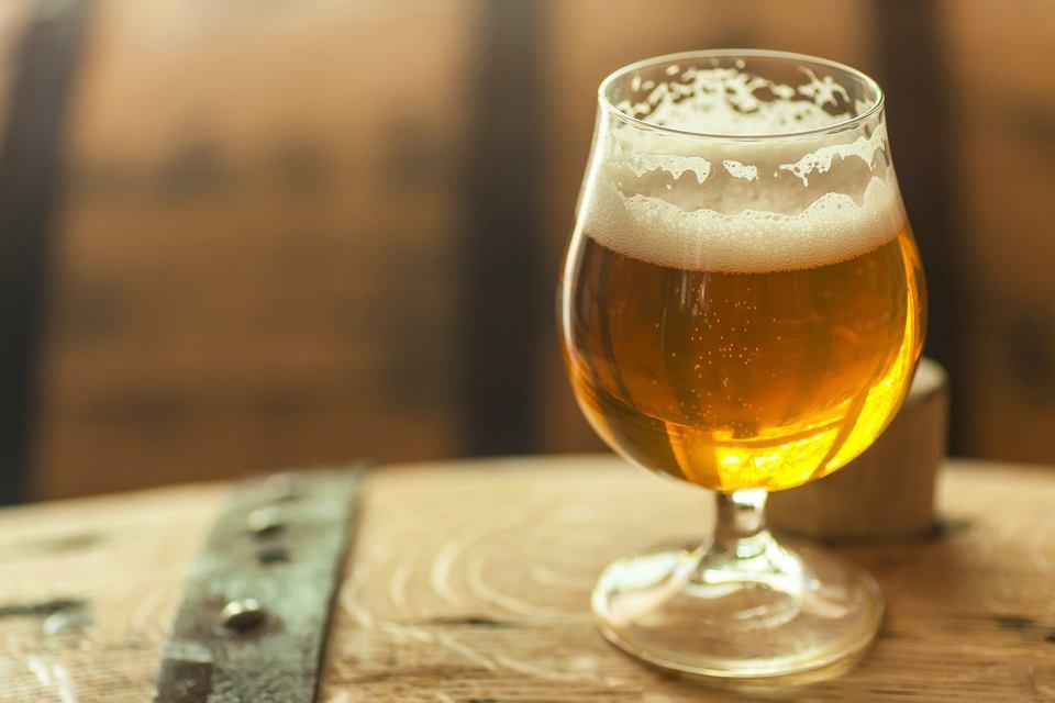 Piwa leżakowane w beczkach po mocnych alkoholach nabierają nie tylko głębszej barwy, ale przede wszystkim nowych nut aromatycznych.
