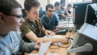 Zespół Szkół Elektronicznych w Bydgoszczy. Pracownia teleinformatyczna i klasa ucząca się o konfiguracji i eksploatacji urządzeń
