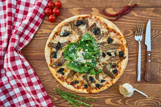 Praktyczne i niedrogie akcesoria do krojenia oraz serwowania pizzy