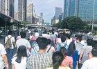 Mieszka�cy chi�skich wsi przenios� si� do miast. Maj� nakr�ca� popyt