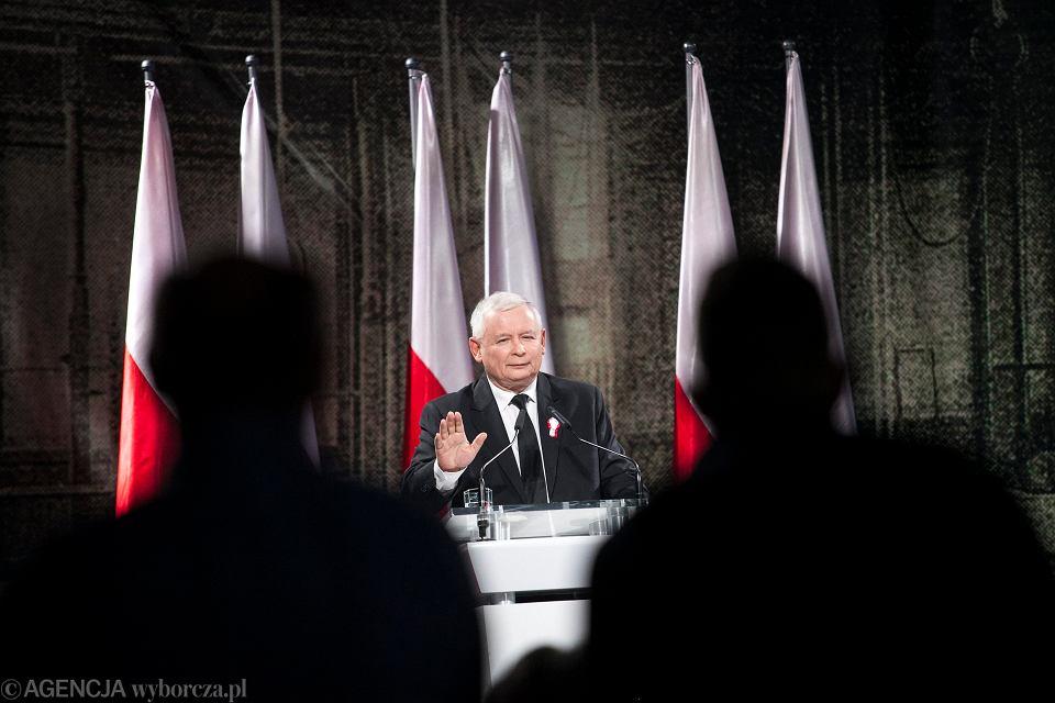 Prezes PiS Jarosław Kaczyński i elektorat. Spotkanie  w Towarzystwie Sportowym Sokół. Kraków, 11 listopada 2014