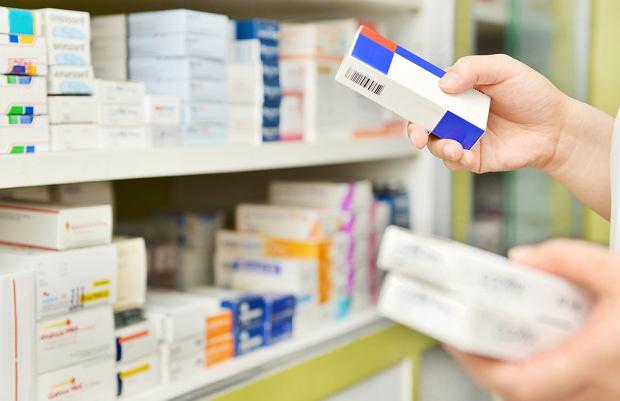 """Opakowania popularnego leku na nadciśnienie znikają z polskich aptek """"w trybie natychmiastowym"""". O co chodzi?"""