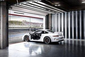 """Porsche radzi: """"Nie u�ywaj swojego GT3"""""""