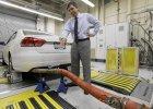 VW pogrążony w spalinach. Sprawdzają go europosłowie i polskie władze