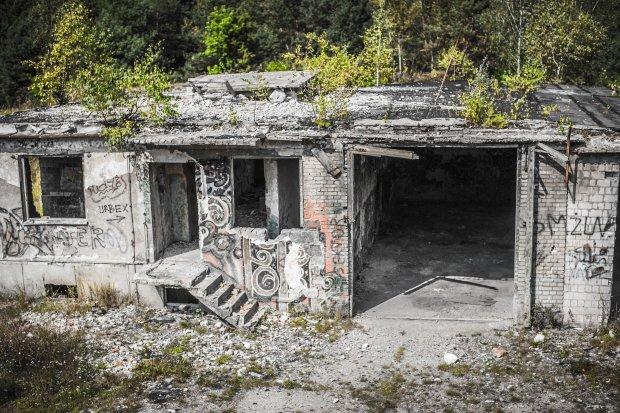 Garaż nad Obiektem nr 1 - widok z pierwszego piętra koszar