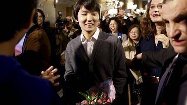 Zwycięzca Konkursu Chopinowski 2015 Seong-Jin Cho tuż po ogłoszeniu wyników w Filharmonii Narodowej