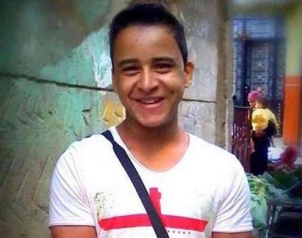 Egipt: Nastolatek od niemal 2 lat siedzi w wi�zieniu. Bo za�o�y� niew�a�ciw� koszulk�