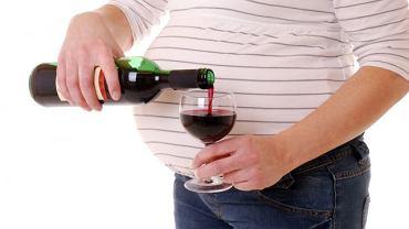 Zdaniem Rada Ekspertów Ginekologów kobiety w ciąży powinny całkowicie zrezygnować z alkoholu