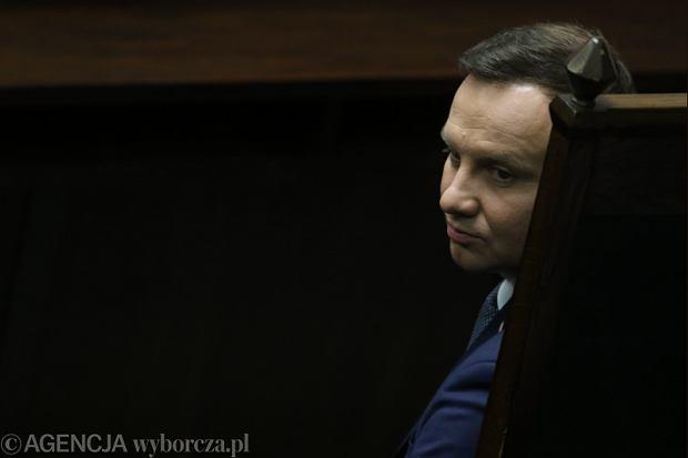 Dziś Sejm wybierze nowych sędziów TK. Duda wstrzyma się z ich zaprzysiężeniem do orzeczenia Trybunału?