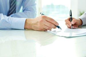 Klient wpisa� poprawk� do umowy kredytowej. W banku nic nie zauwa�yli i...