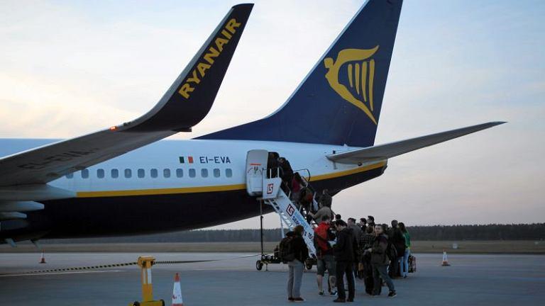 Samolot należący do taniego przewoźnika Ryanair