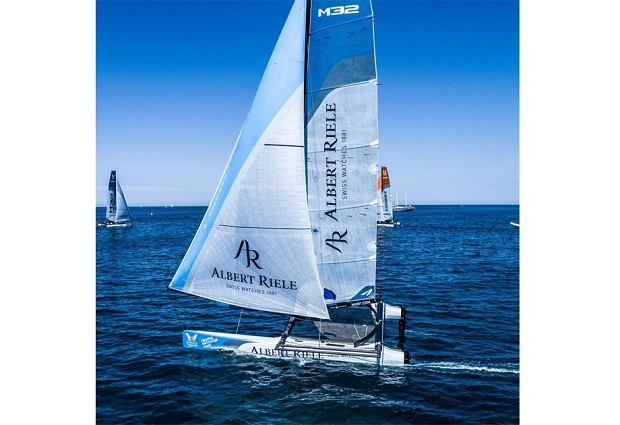 Albert Riele angażuje się w żeglarstwo