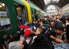 Chaos na dworcu Keleti w Budapeszcie: policja wpuściła imigrantów. Pociągi do zachodniej Europy wstrzymane