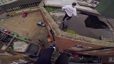 Gotowi na ekstremalną spacer po dachach?