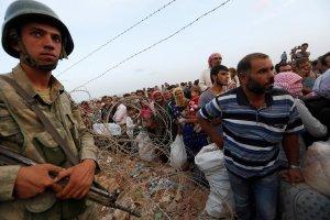 """Zaj�ty sztab obrony Kobane - miasto jeszcze walczy. """"Desperacko potrzebujemy pomocy"""""""