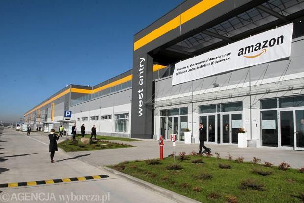 """""""Der Spiegel"""": Amazon zmusza firmy do wysy�ania towar�w przez Polsk�. """"To absurd"""""""
