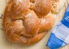 Jak upiec ciasto drożdżowe? Poradnik nie tylko dla początkujących