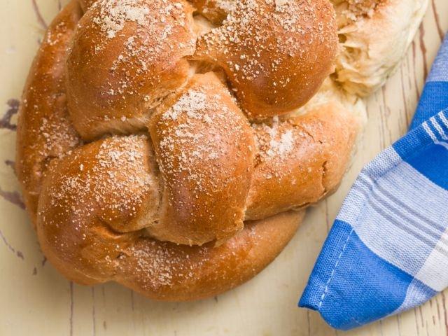 Z ciasta drożdżowego przygotujesz różne rodzaje wypieków, zarówno słodkich, jak i słonych.