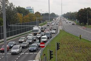 Warszawa ma 40 km obwodnicy. Jak do niej dojecha�?