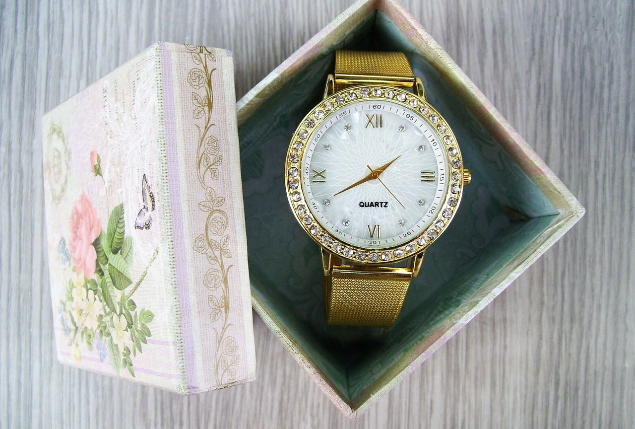 336e8d1a3d523 Jak nosić zegarek - porady dla niej i dla niego