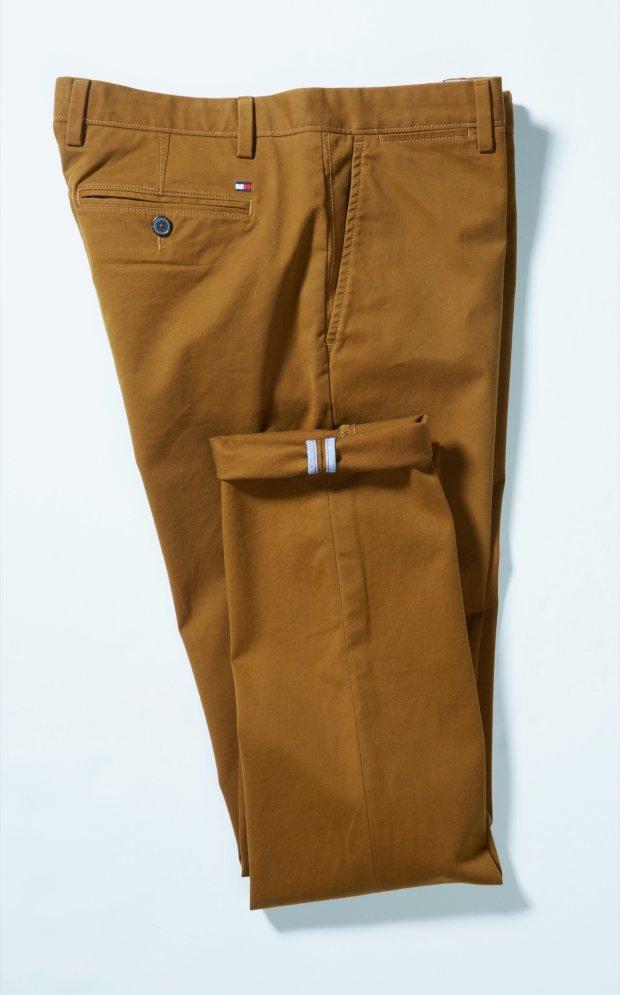 2ad6da6a5 Zdjęcie numer 18 w galerii - Najlepsze spodnie na każdą okazję - chinosy.  Fot. Agata Jakubowska. Tommy Hilfiger ...