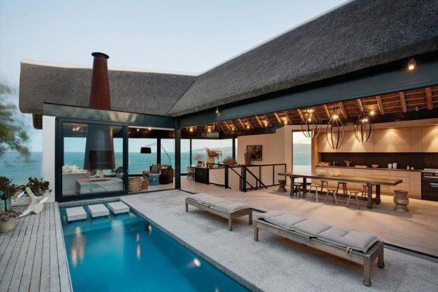 Nowoczesny dom z widokiem na ocean