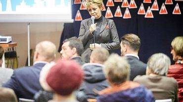 Hanna Zdanowska podczas spotkania z mieszkańcami na Widzewie