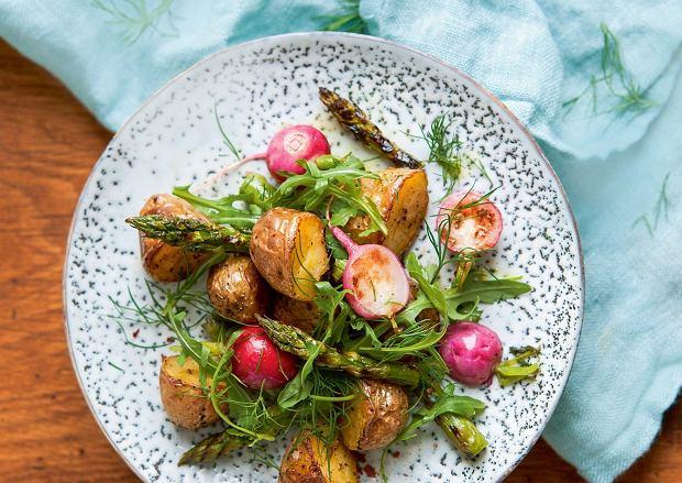 Młode ziemniaki na kilka sposobów - przepisy na wiosenne pyszności