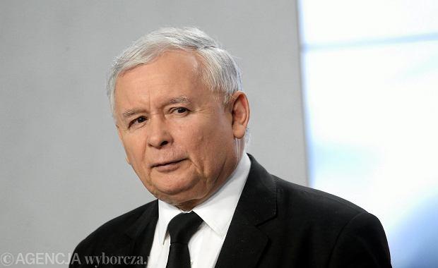 Jarosław Kaczyński zapowiada kolejne głosowania w Sali Kolumnowej w Sejmie