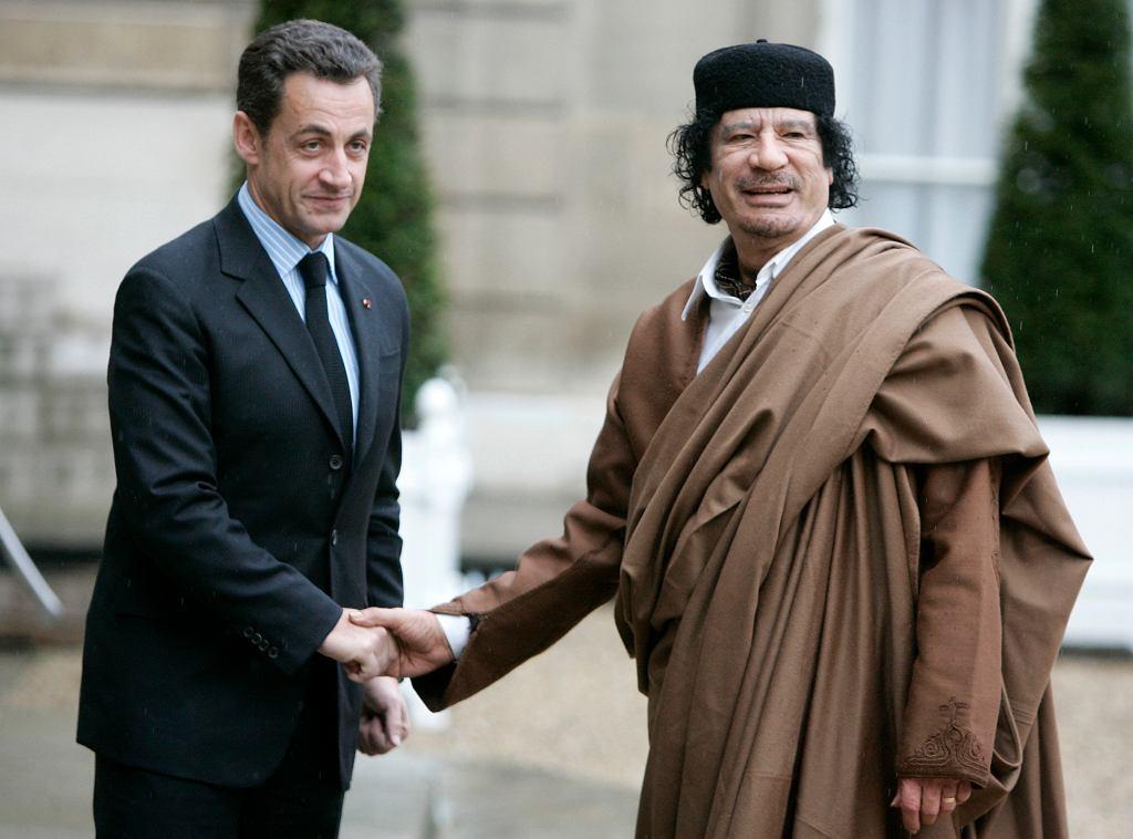 Nicolas Sarkozy i Mu'ammar al-Kaddafi