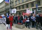 """Prekariusze protestowali w Warszawie: """"Umowy �mieciowe do kosza"""", """"Sprz�tnij wyzysk"""""""