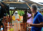 """Reporter CNN dla """"Wyborczej"""": Sierra Leone nie potrafi poradzi� sobie z epidemi� [KORESPONDENCJA]"""