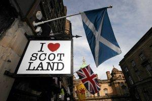Szkocja od��czy si� od Wielkiej Brytanii? Najnowszy sonda� daje przewag� szkockim separatystom