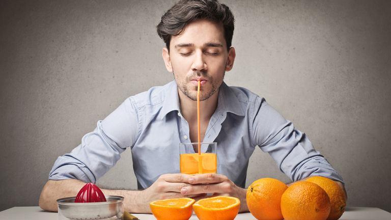 Jedzenie wysokokaloryczne zwykle smakuje mężczyznom najbardziej