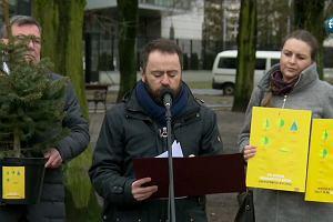 """Warszawa apeluje o zmianę ustawy ws. wycinki. """"Czas liczymy w padających drzewach"""""""
