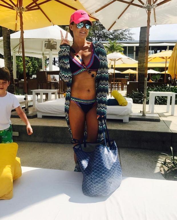 Zdjęcie numer 0 w galerii - Polska gwiazda pochwaliła się zdjęciami w bikini z wakacji. Jedno z nich wywołało lawinę komentarzy
