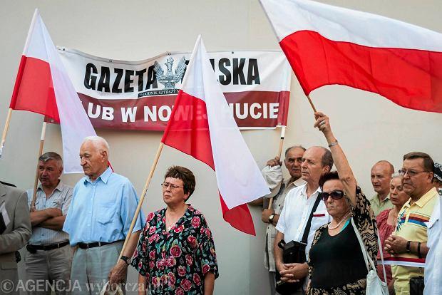 """Miesięcznica. """"Andrzej Duda pokazuje swoją siłę i cielesne męstwo"""""""