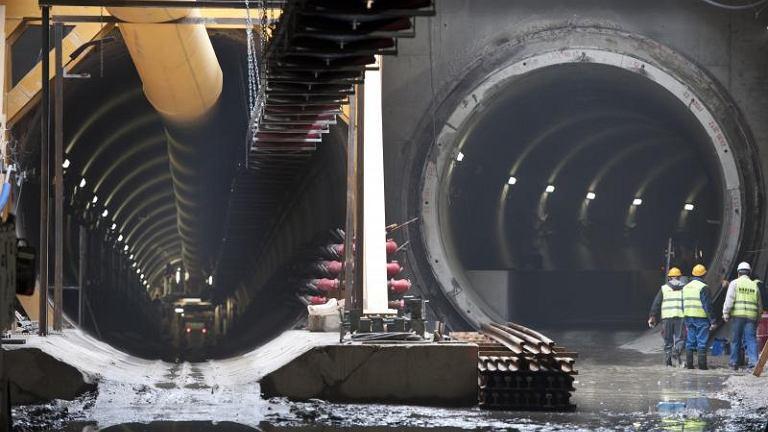 Tunel metra pod Świętokrzyską