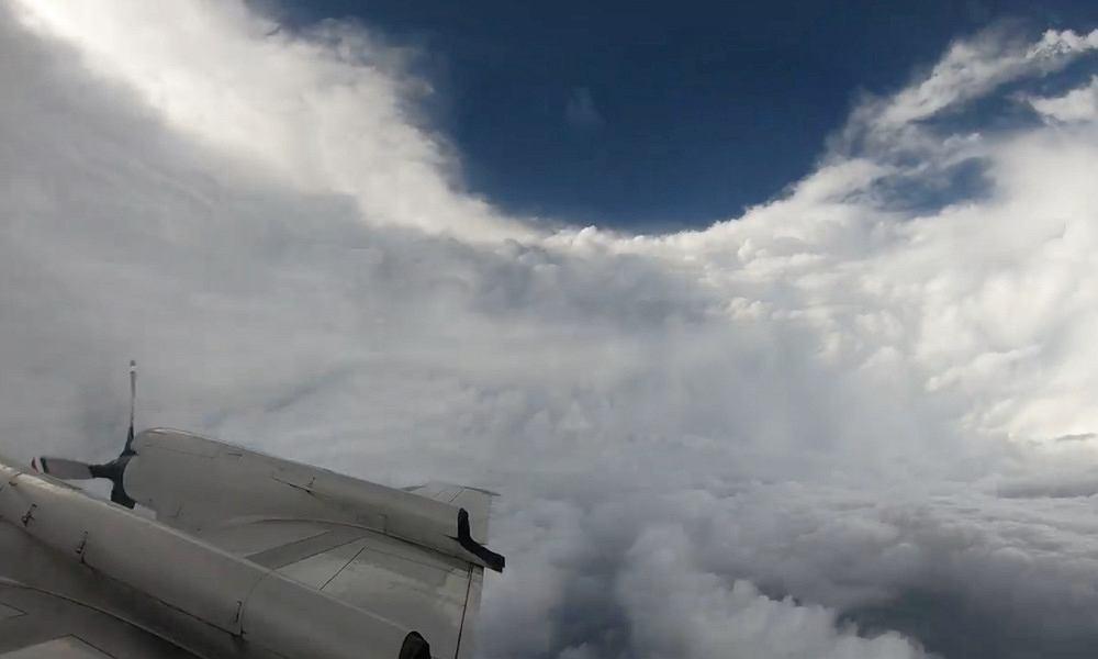 Huragan Florence - przelot przez oko huraganu